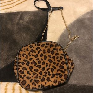 Cute cheetah / leopard chain crossbody